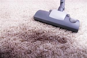 trucos-caseros-para-limpiar-alfombras-y-moquetas-de-forma-natural_l5ex3